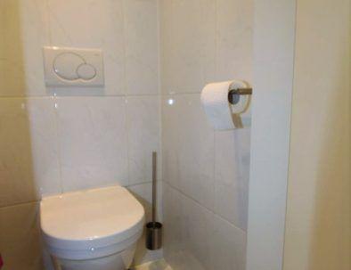 Ferienwohnung_oostende_appartement_zeezicht_loft_apart-toilet