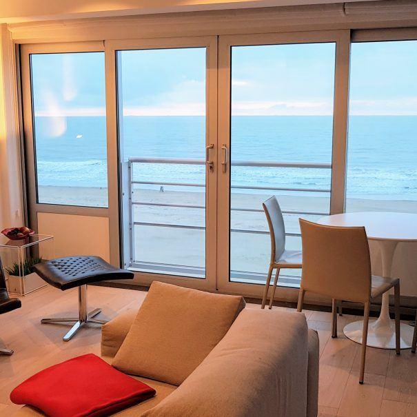 vakantieverhuur_oostende_appartement_zeezicht_loft_breed-zicht-op-zee