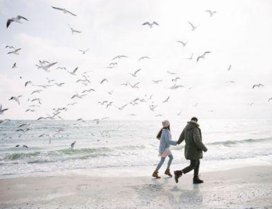 blog_zee-wandelen-koppel-noordzee-romantisch