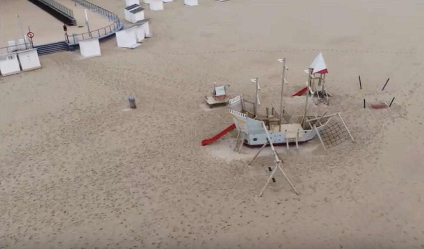 Oostende_strand_zee_drone