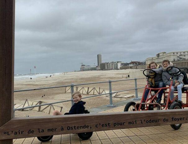 Gocart op zeedijk Oostende